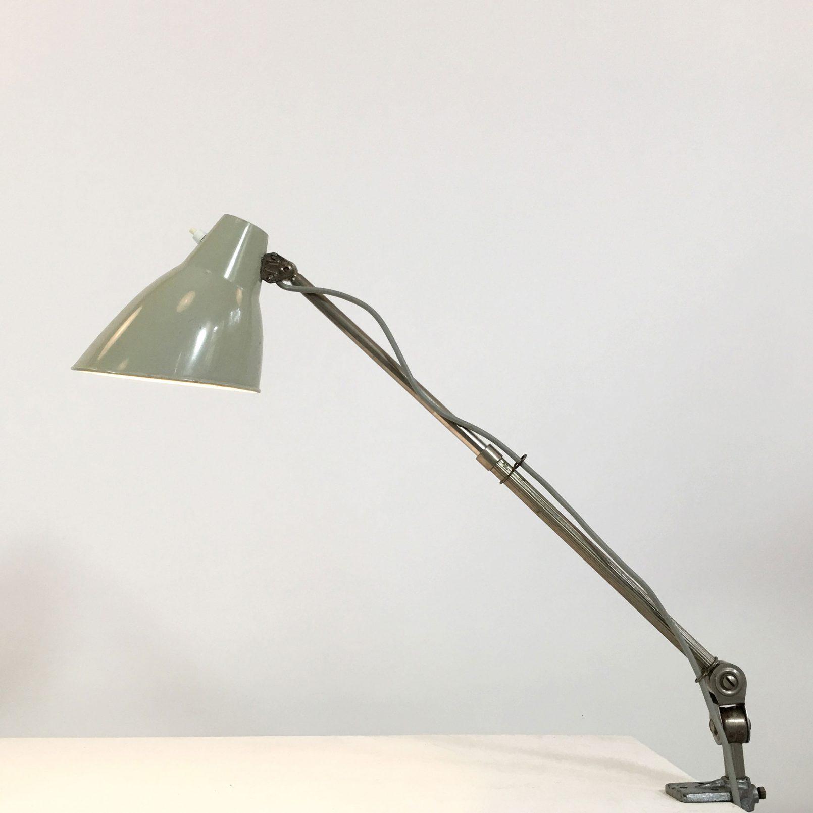 Lampe industrielle des années 60.