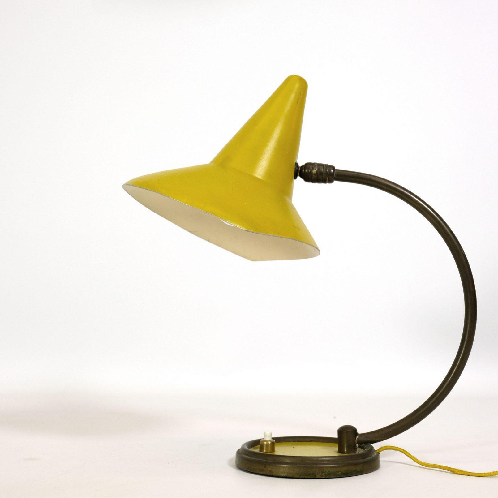 Lampe jaune des années 50.