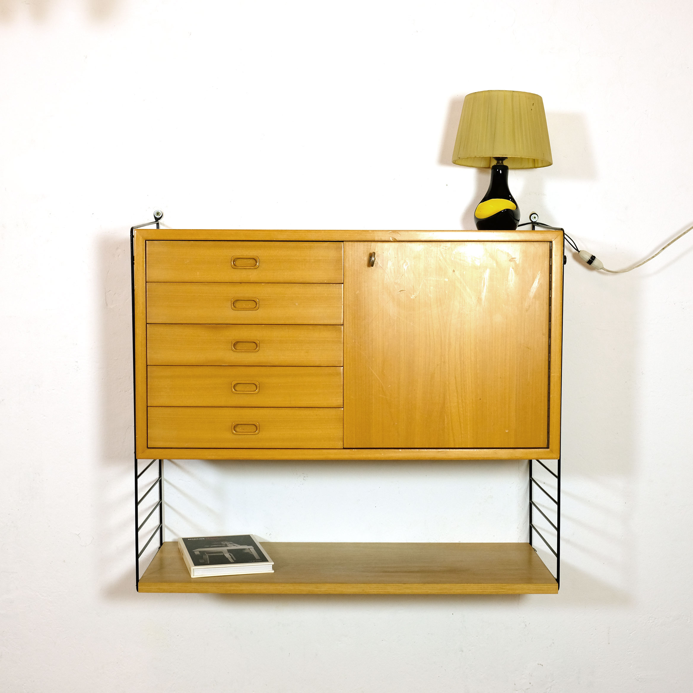 tag res et tiroirs modulables string 1950 39 s lampandco. Black Bedroom Furniture Sets. Home Design Ideas