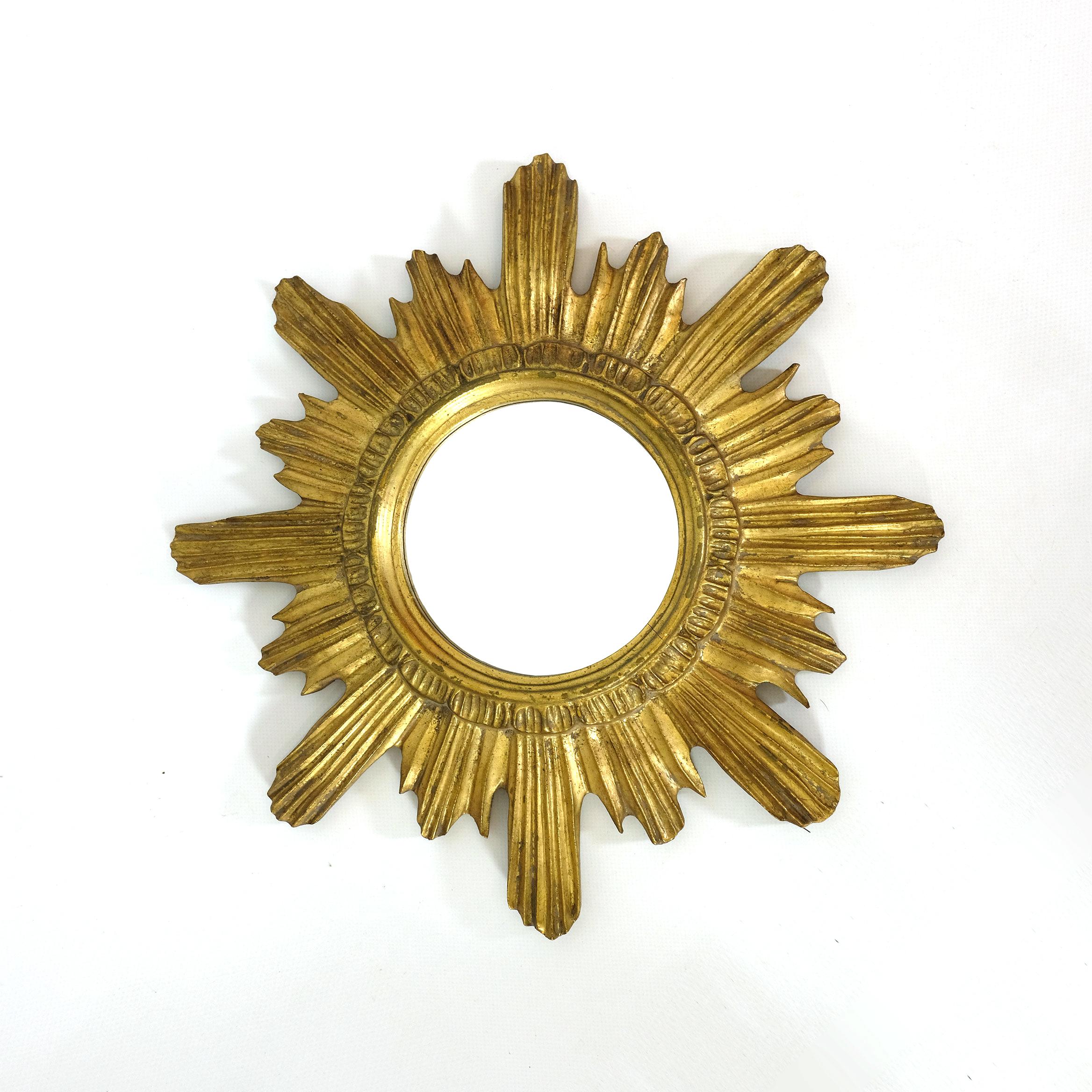Petit miroir soleil bois dor 1950 39 s 1960 39 s lampandco for Petit miroir dore