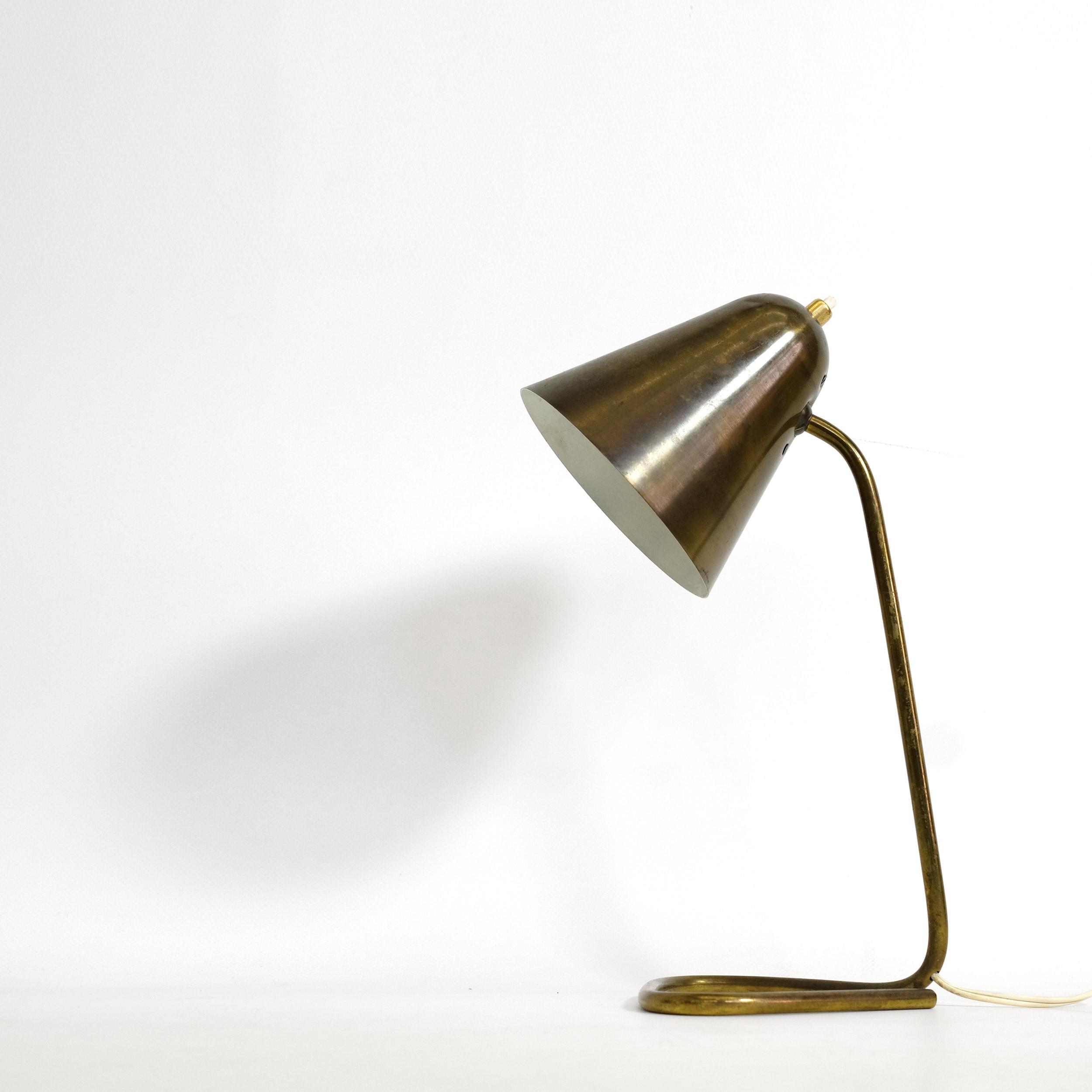 lampe de table en laiton des ann es 50 lampandco. Black Bedroom Furniture Sets. Home Design Ideas