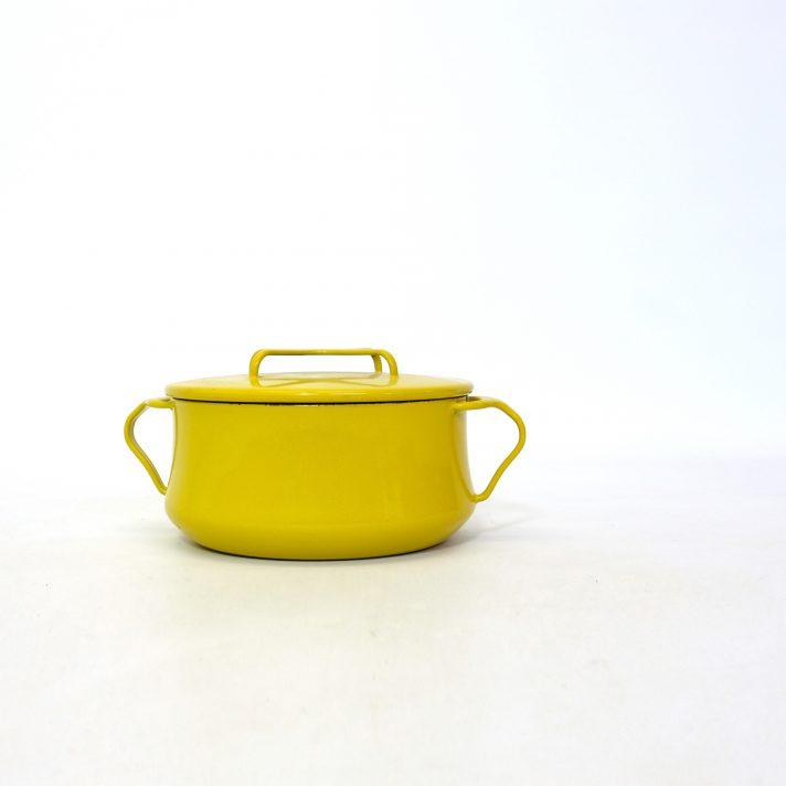 Cocotte en métal émaillé jaune, Dansk Design, 1960s.