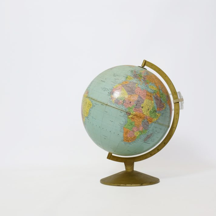Grand globe terrestre Taride des années 60.