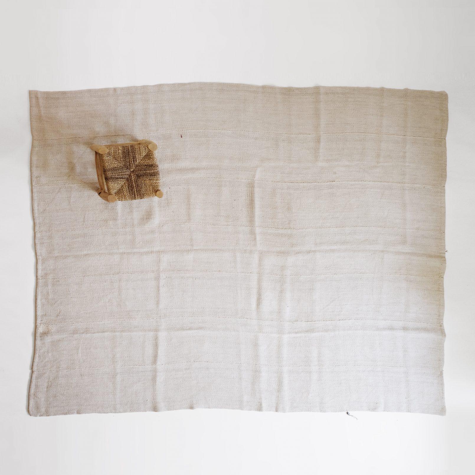 Tapis en chanvre d'origine turque, 240 x 190 cm.
