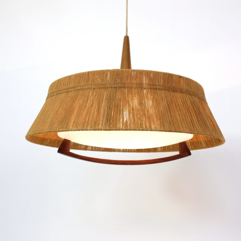 Suspension scandinave, corde, bois et perspex des années 60.