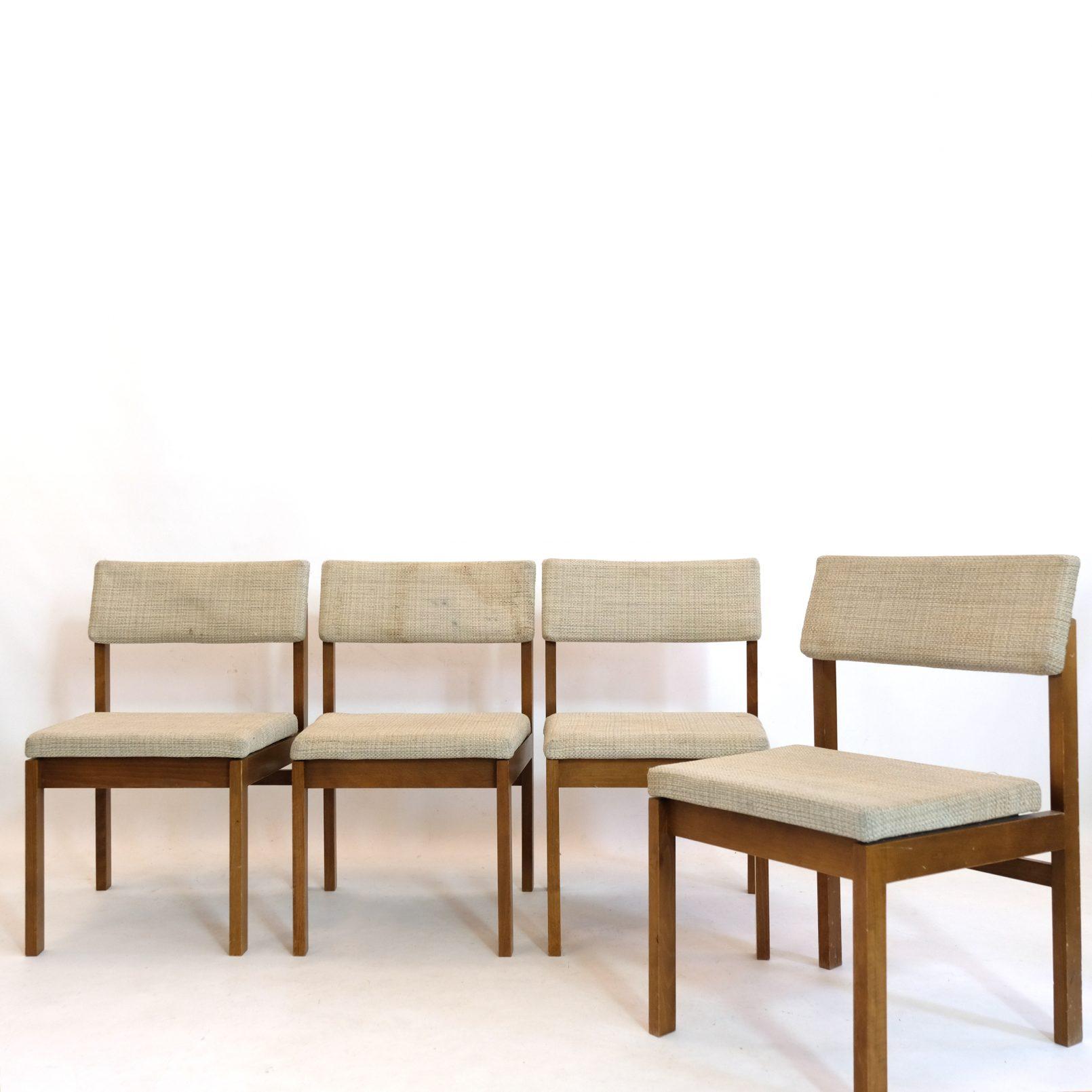Suite de quatre chaises en bois et draps de laine par Willy Guhl, 1959.