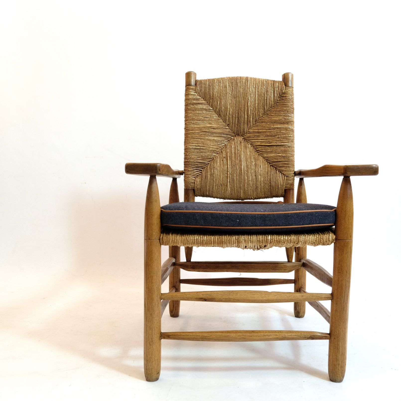Pierre Jeanneret, straw armchair, 1945.