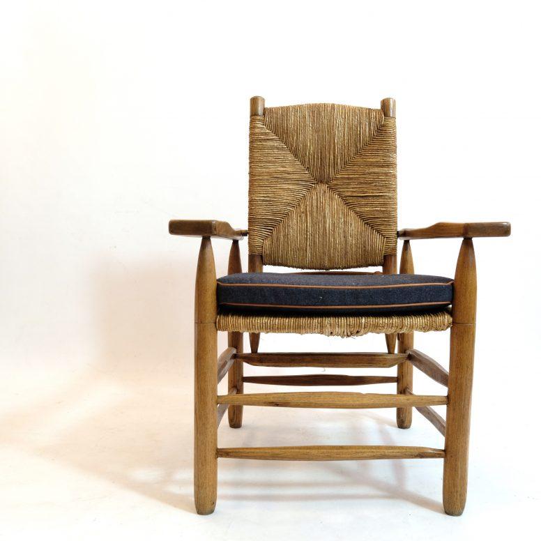 Pierre Jeanneret, fauteuil paillé, 1945.