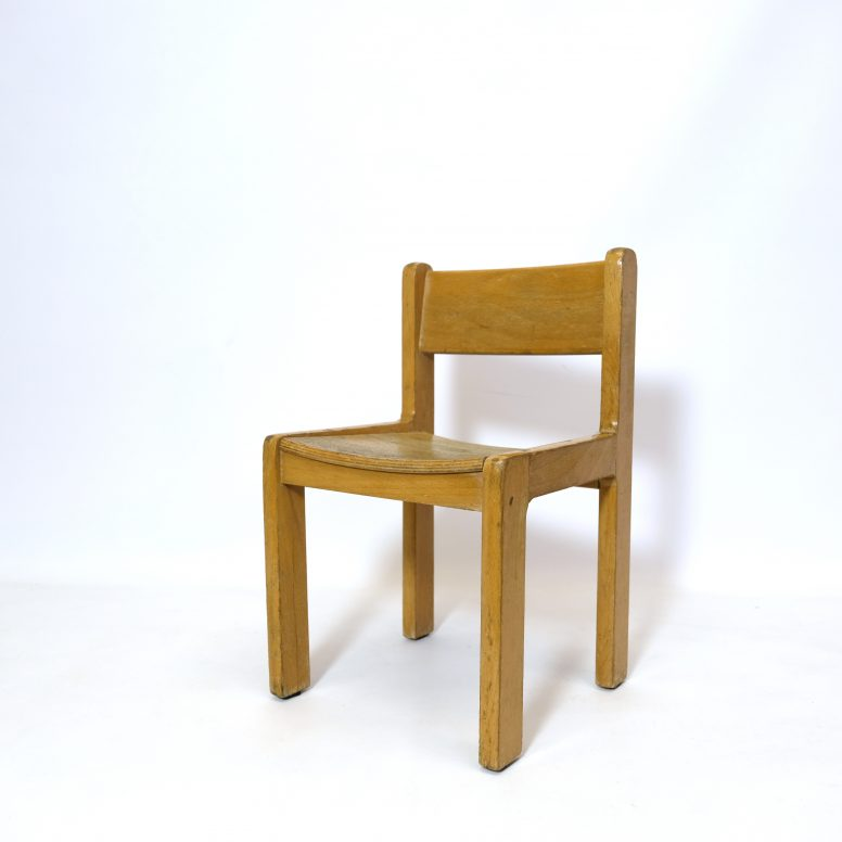 Little wooden child's chair, 1960-1970, 4 available.
