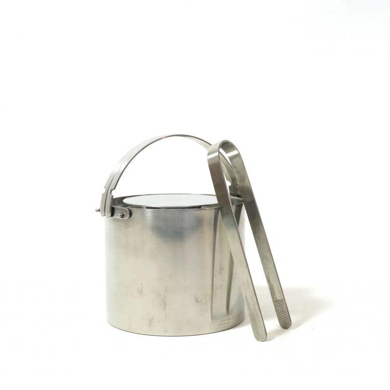 Cylinda Ice bucket by Arne Jacobsen, Stelton, 1967.