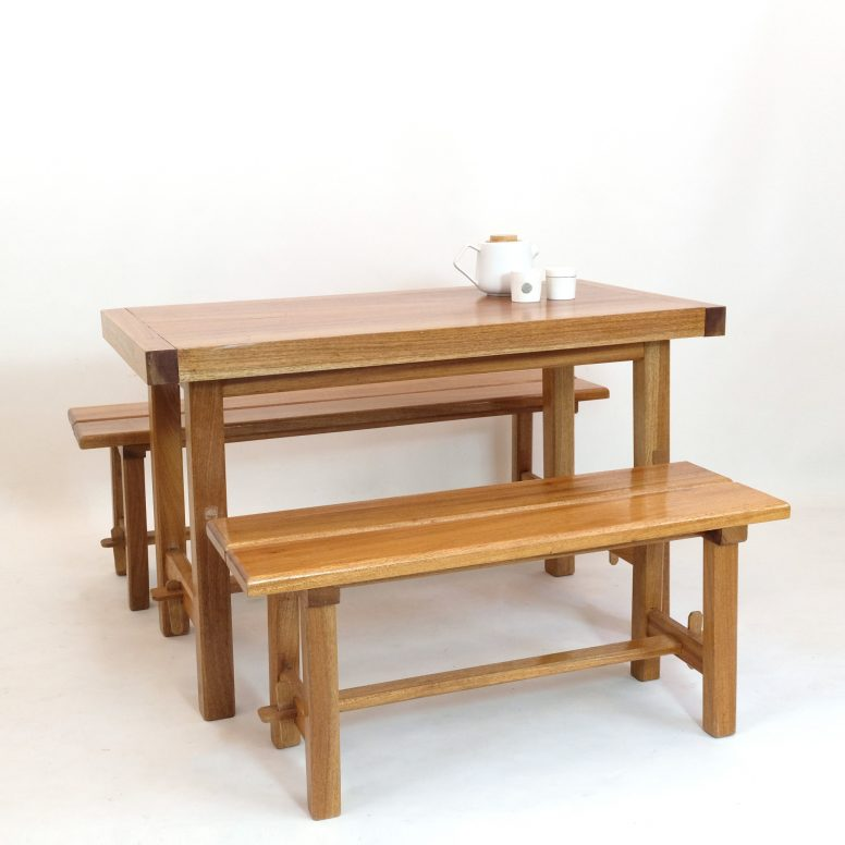 Dining table attributed to Maison regain, 1970s.