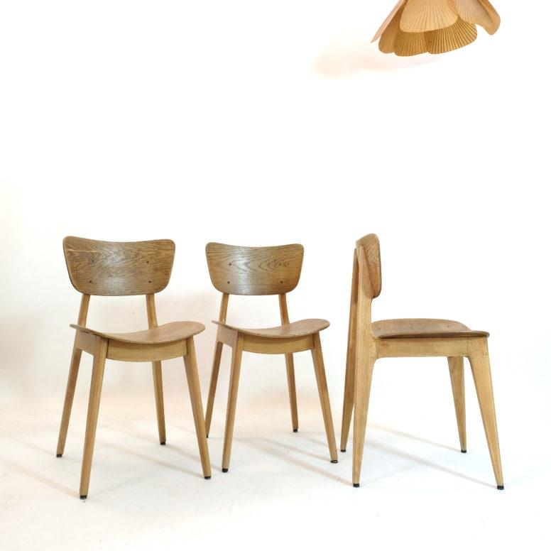 Trio de chaises 6157 de Roger Landault, 1950.