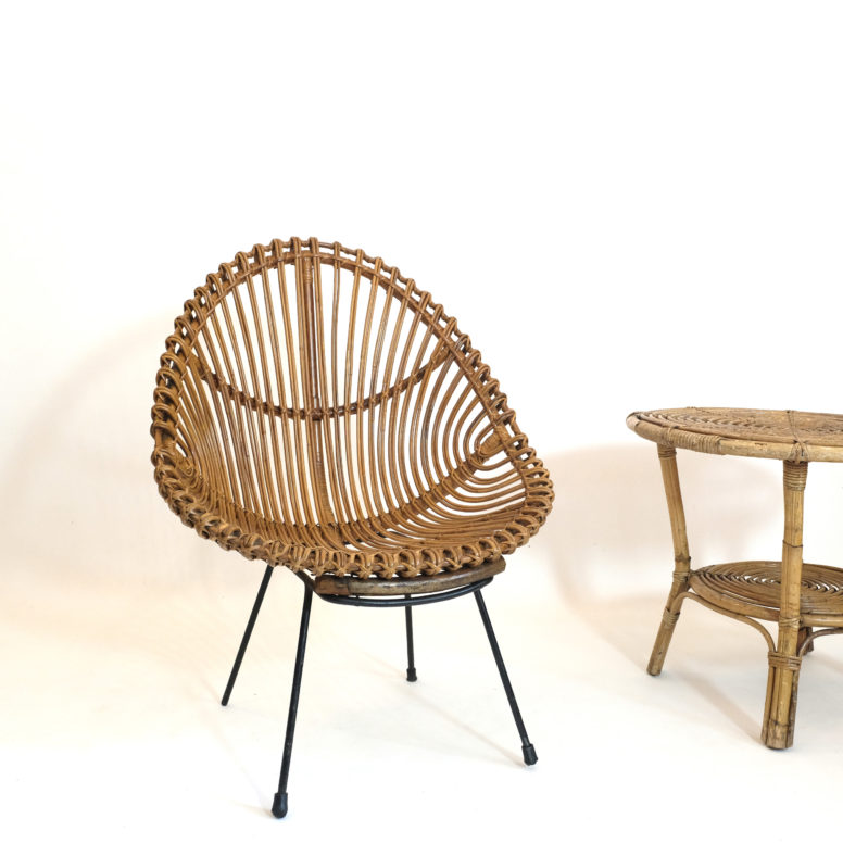 Italian rattan lounge chair from the sixties, n°1.