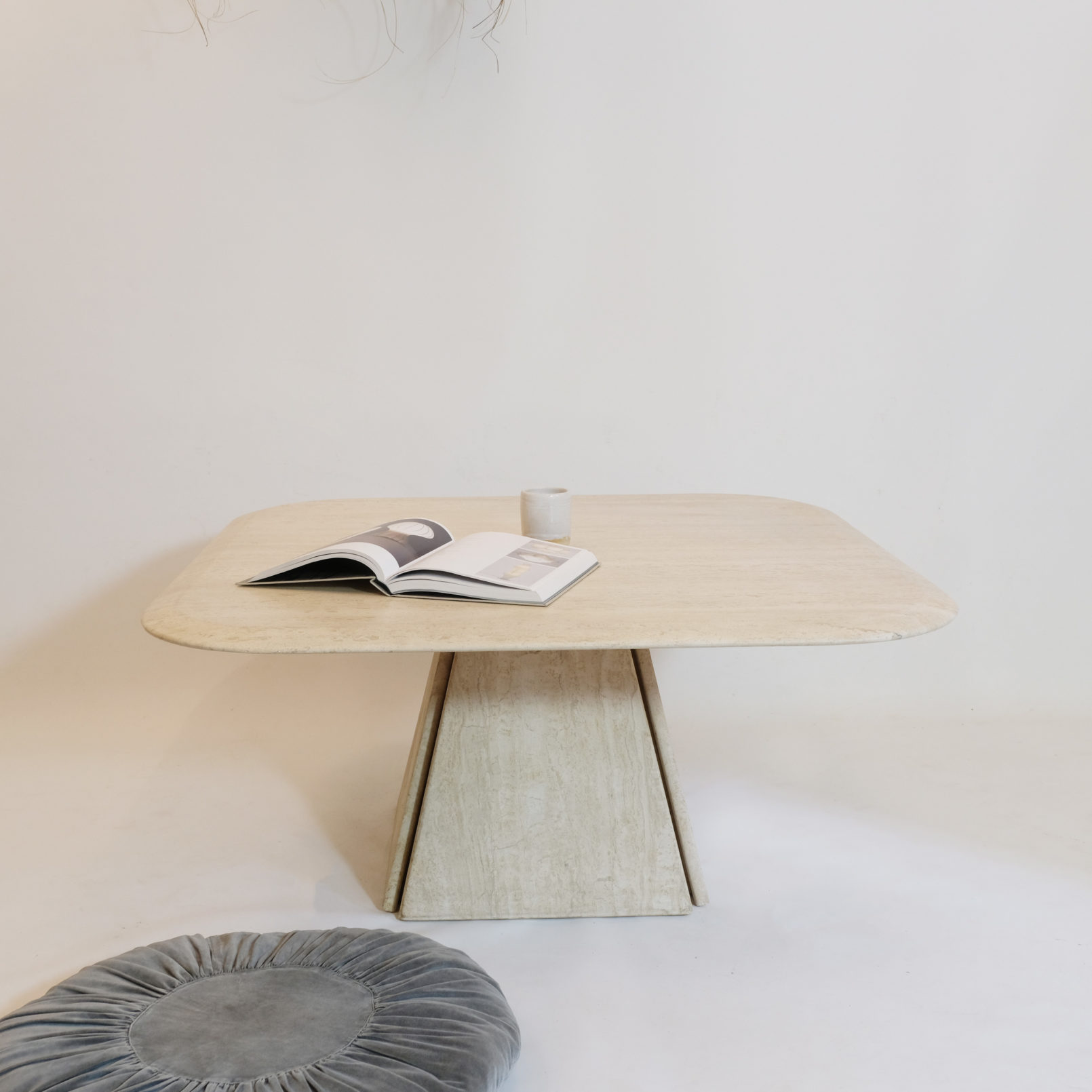 Travertine coffee table, Italian work from the 1970s.