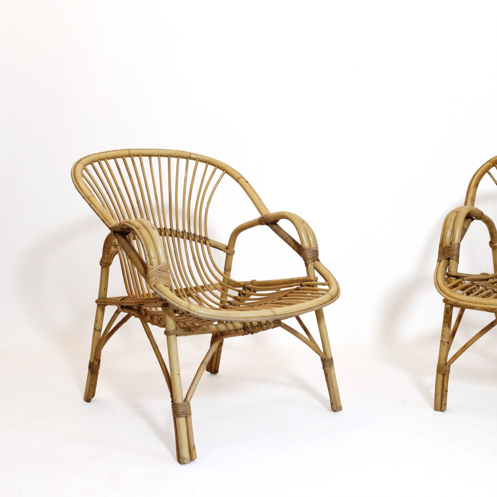 French rattan lounge chair from the 1960s-1970s.