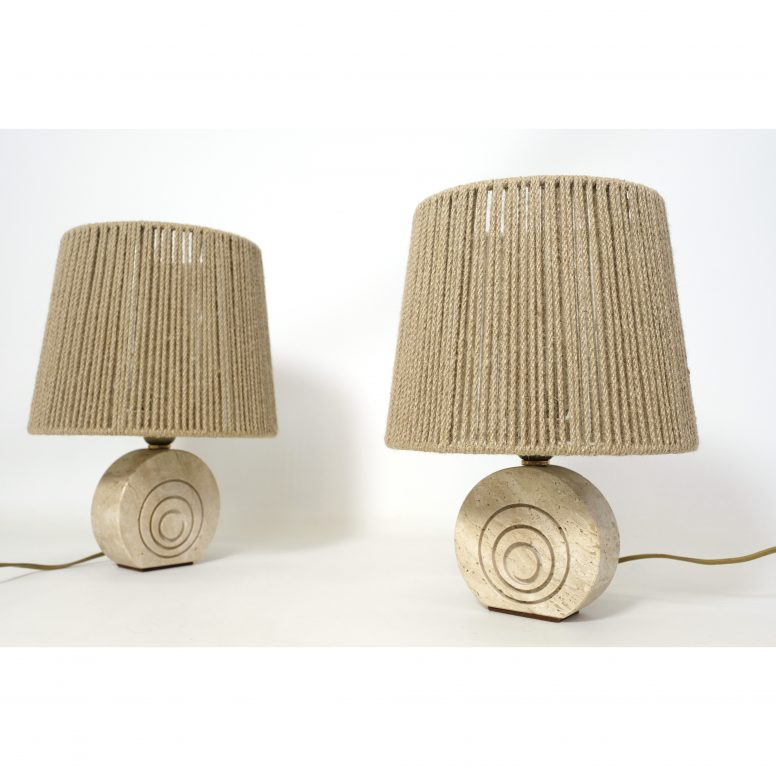 Pair of little travertine table lamps, 1970s.