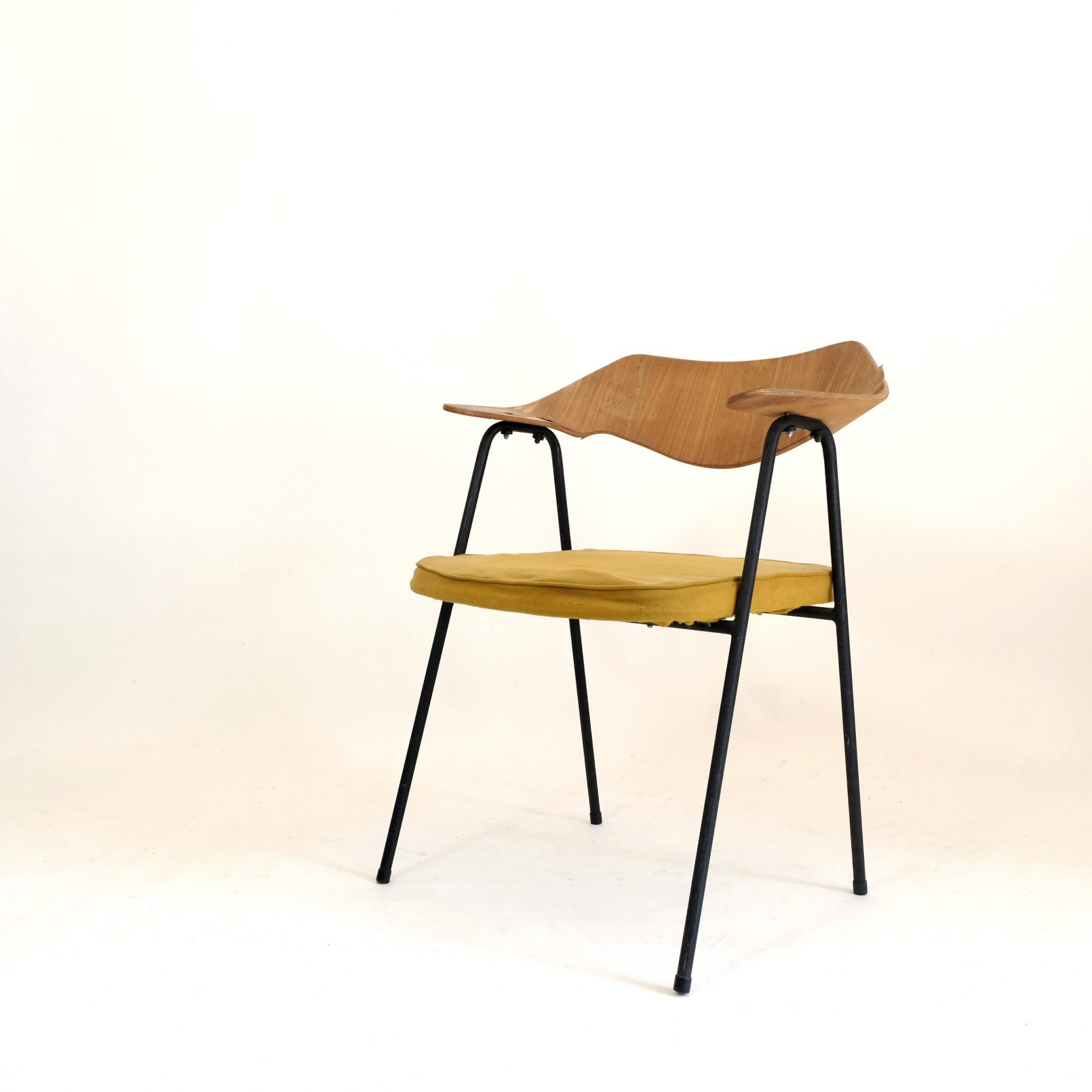 Robin & Lucienne Day, 675 armchair, 1950s, to be restored.