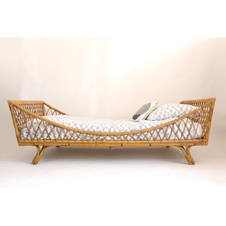 French boat bed from the 1950s-1960s.