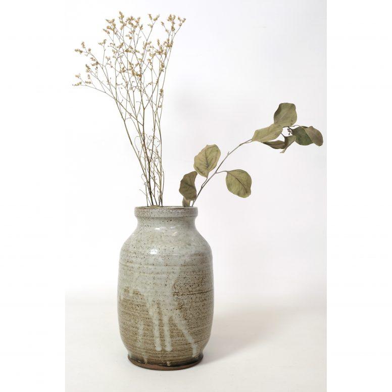 Vase en grès signé à identifier des années 50-60.