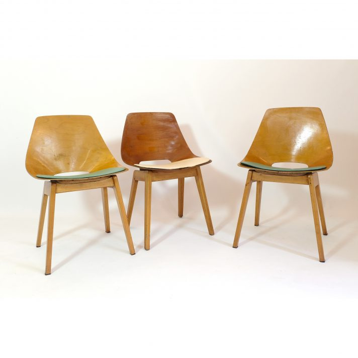 Pierre Guariche, pair of Tonneau chairs with wooden legs, 1950s.