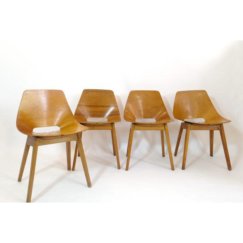 Pierre Guariche, set of 4 Tonneau chairs with wooden legs, Steiner, 1950s.