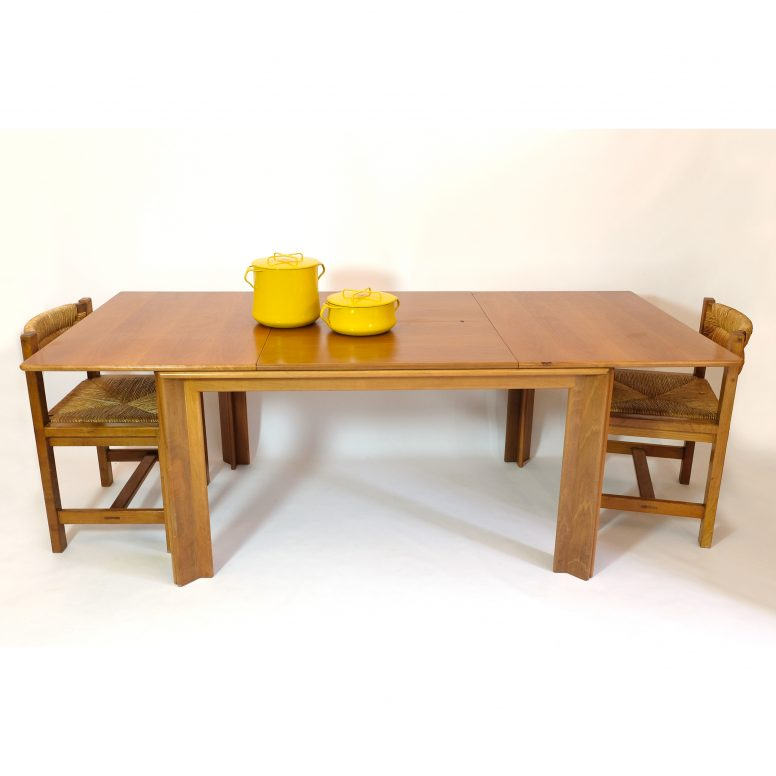 Afra & Tobia Scarpa, large dining table with extending leaves, circa 1960.