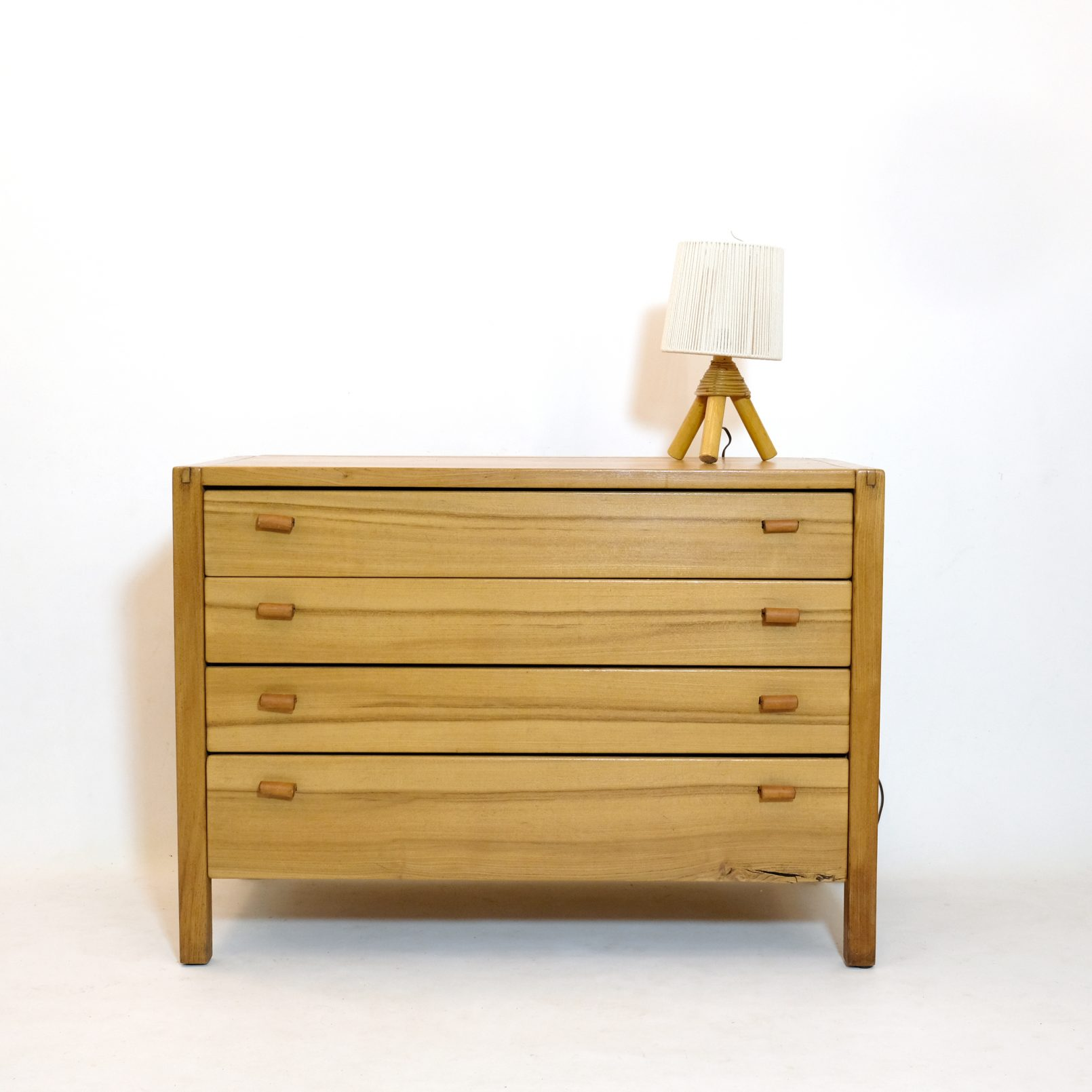 Elm chest of drawers from the 1970s-1980s.